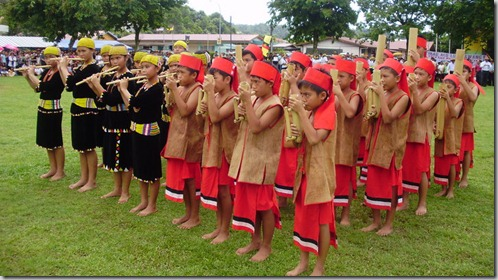 SK Long Tuma Students - Bamboo band performance