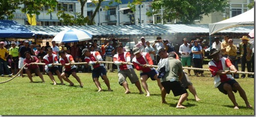 Pesta Lun Bawang 2010 - Tug of War