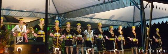 RuranUlung2010TraditionalCustumesBeautyContest.jpg